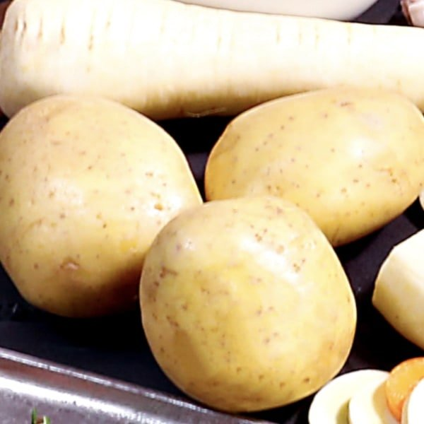 1 x 1kg Luxury Roasting Potatoes